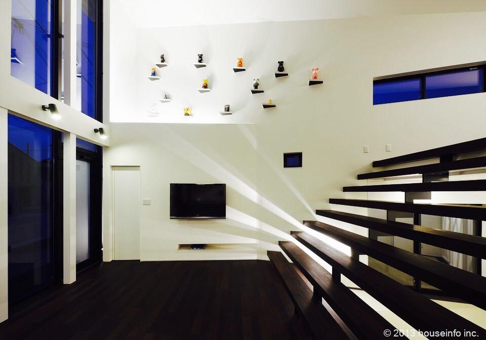 階段をリビングの一部として。