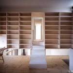 階段ホールの書斎